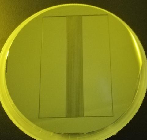 厚度200μ SU-8光刻胶硅片模具