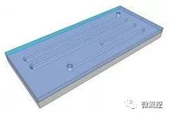 具有高宽高比微通道,采用玻璃基输入输出端口的硅基微流控芯片