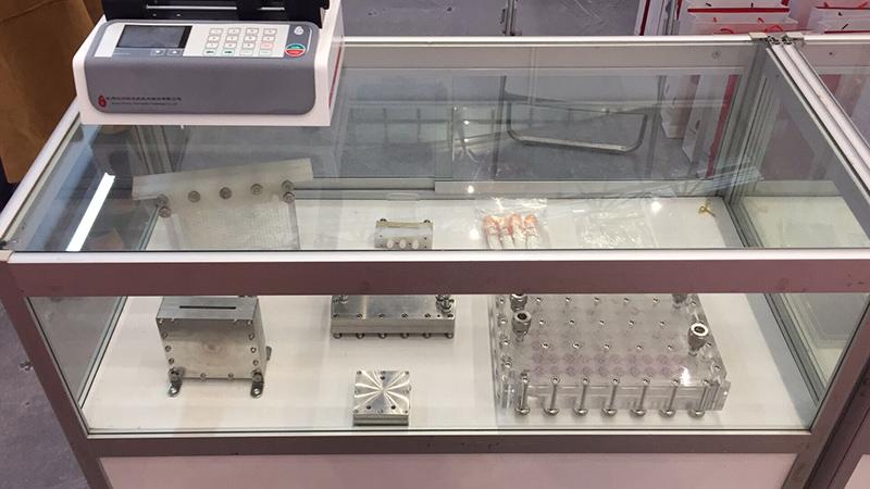 汶颢微反应器及注射泵展会现场图