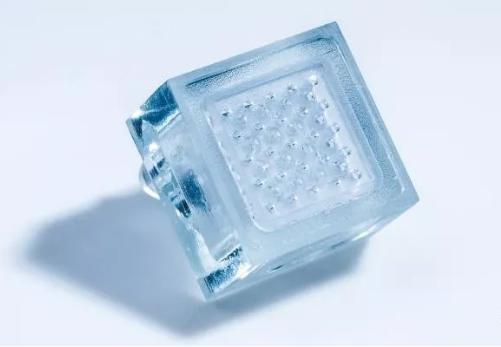 芯片降温:一个微米级的芯片淋浴头为芯片降温